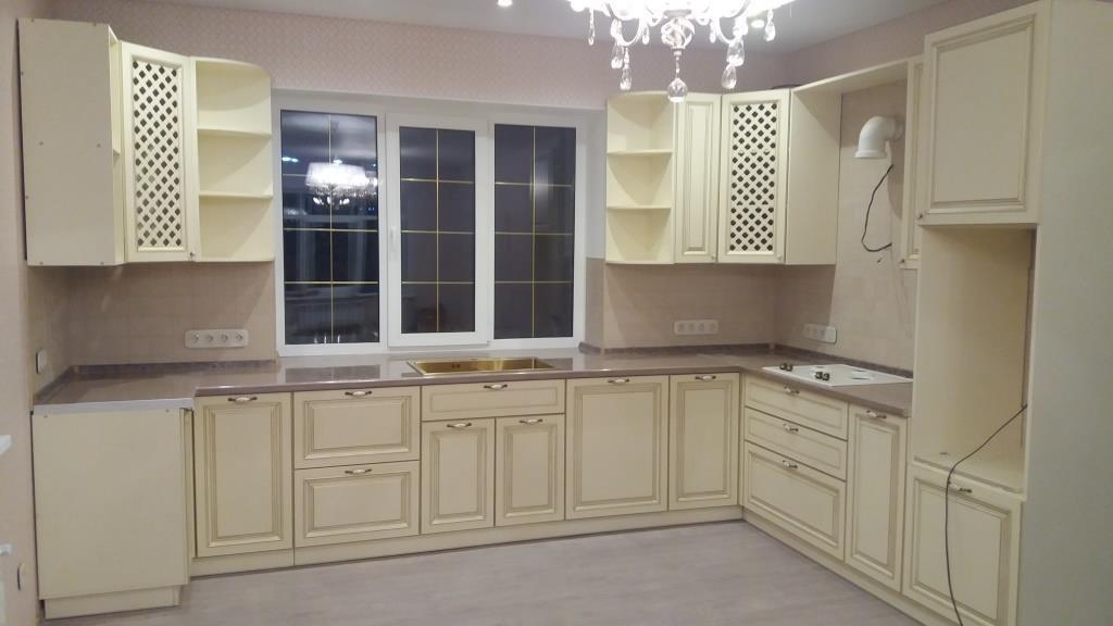 Белый кухонный гарнитур-Кухня МДФ в ПВХ «Модель 69»-фото1