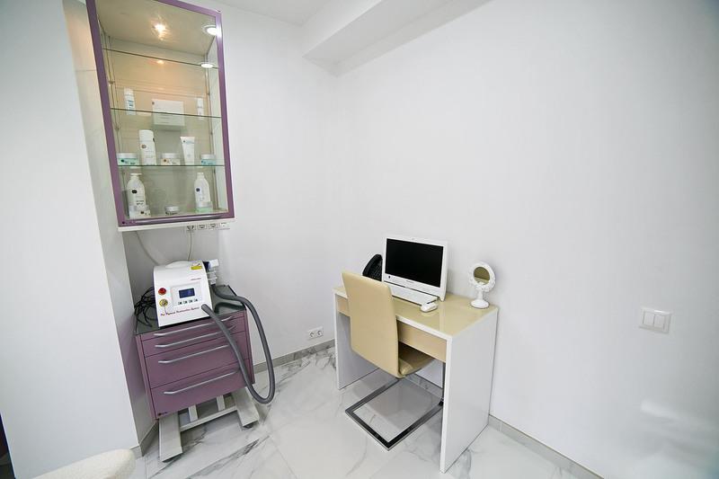 Торговая мебель-Мебель для салона «Модель 155»-фото2