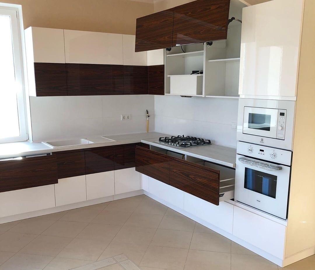 Белый кухонный гарнитур-Кухня МДФ в эмали «Модель 563»-фото6